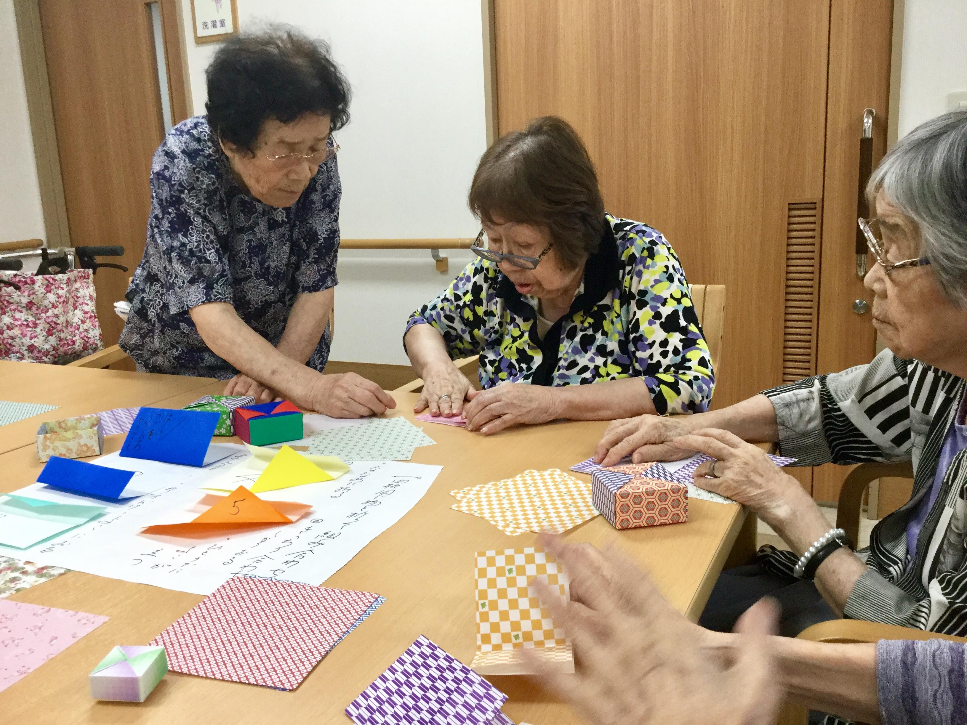 折り紙指導2.JPG