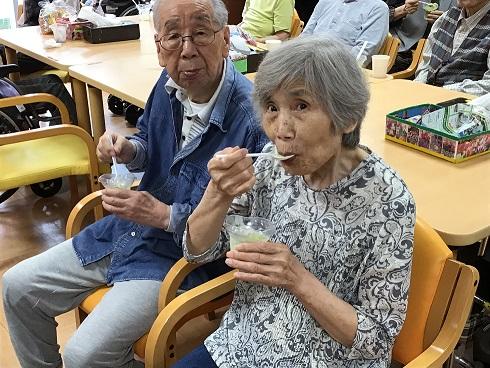 アイス中村夫妻.JPG